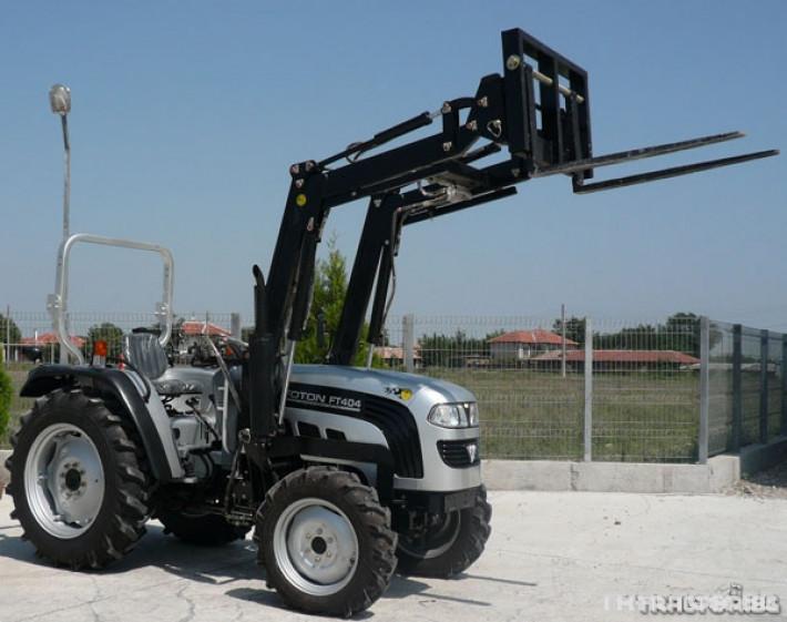 Машини за ферми TB404R с виличен повдигач 0