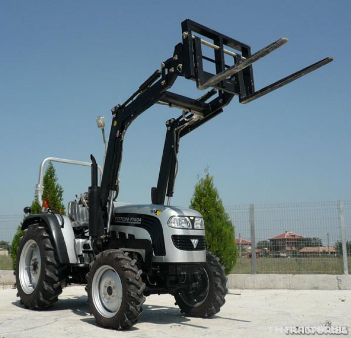 Машини за ферми TB404R с виличен повдигач 1