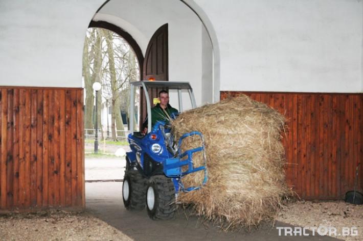 Машини за ферми Мини челен товарач MULTIONE оборудван с щипка за бали 0