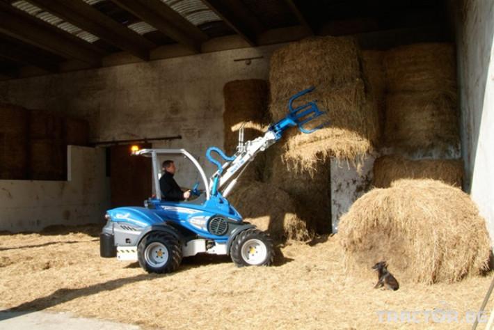 Машини за ферми Мини челен товарач MULTIONE оборудван с щипка за бали 3