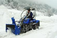 Мини челен товарач MULTIONE M28 с роторен снегорин