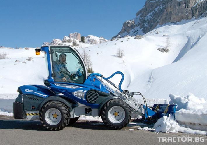 Телескопични товарачи Мини челен товарач Multione с гребло за сняг 3