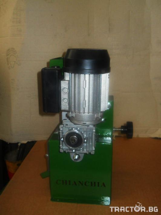 Машини за лозя / овошки Машина за чупене на лешници CHIANCHIA модел P80 3