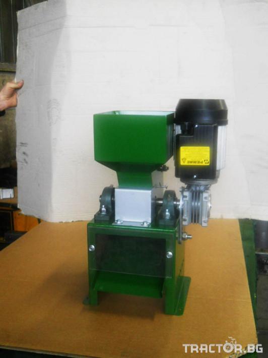 Машини за лозя / овошки Машина за чупене на лешници CHIANCHIA модел P80 0