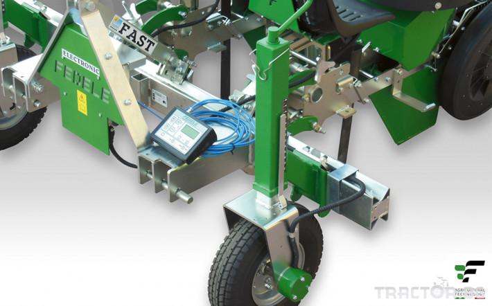 Машини за зеленчуци Разсадопосадачна машина FEDELE модел FAST ELECTRONIC 1