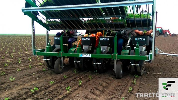 Машини за зеленчуци Разсадопосадачна полуавтоматична машина FAST BASIC 4