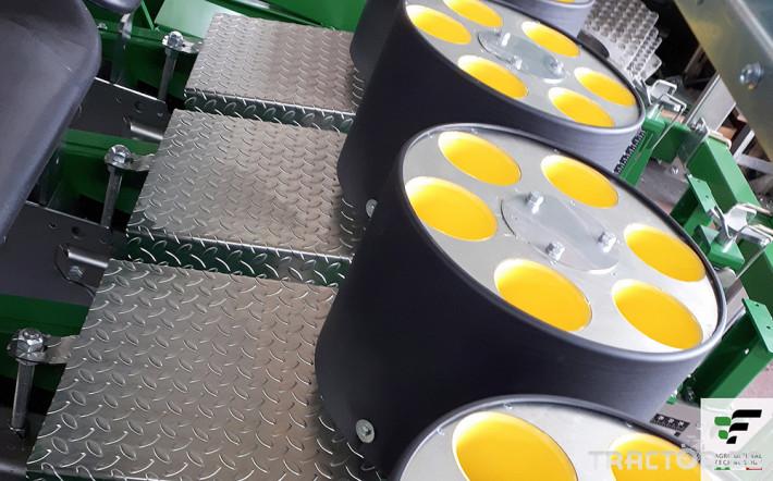 Машини за зеленчуци Разсадопосадачна машина FEDELE модел FAST-M 2