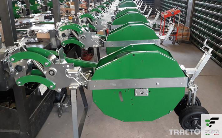 Машини за зеленчуци Разсадопосадачна полуавтоматична машина MAX 5